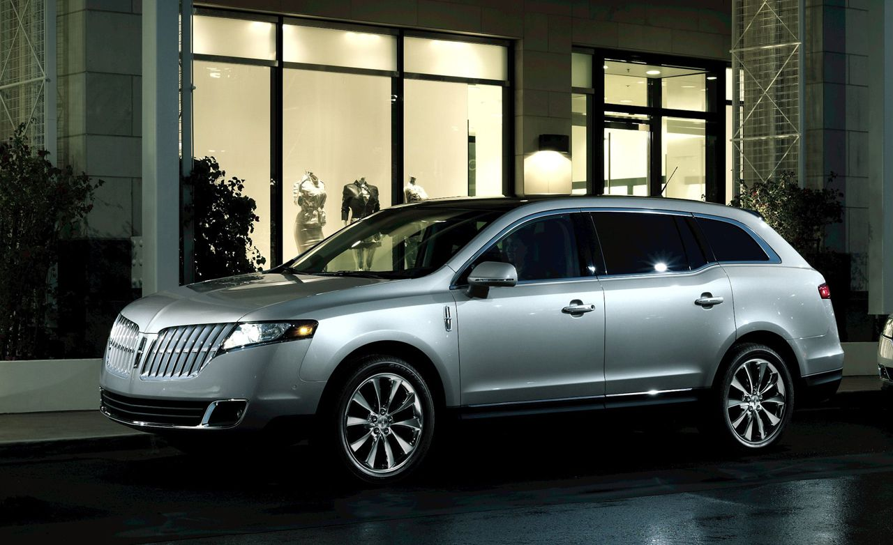 2012 Lincoln MKT Town Car Livery and Limousine