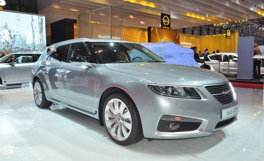 2012 Saab 9-5 SportCombi Official Photos and Info