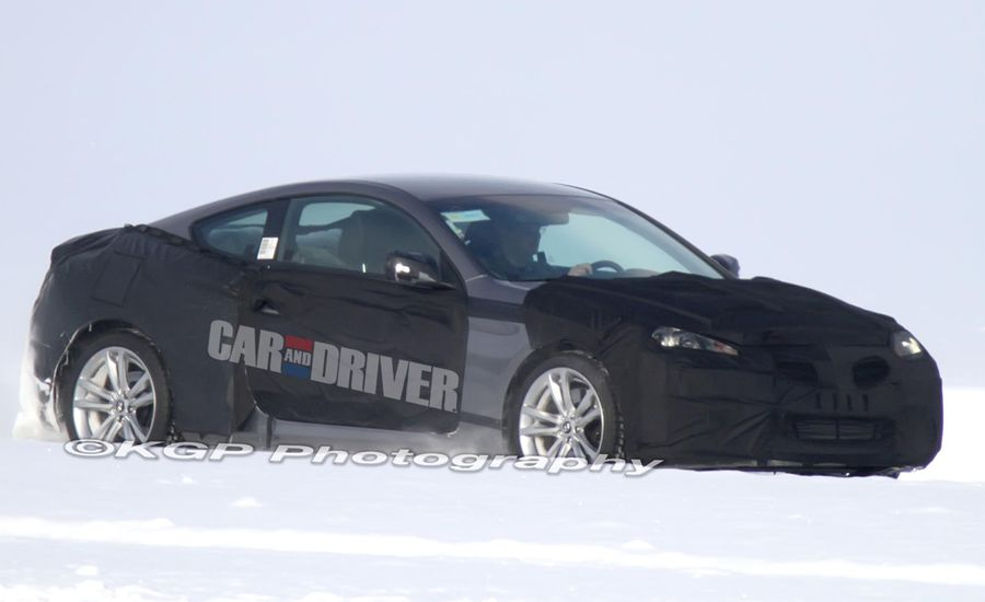 2013 Hyundai Genesis Coupe Spy Photos: 333-hp V-6, New Gearbox in the Works?