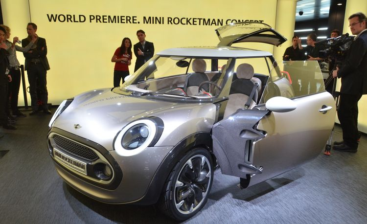 Mini Rocketman Concept Debuts @ 2011 Geneva Auto Show