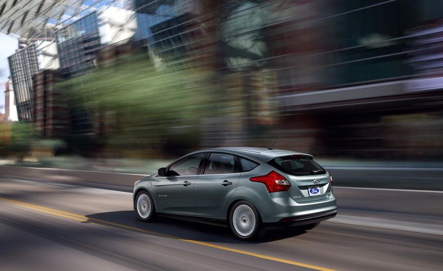 2012 Ford Focus Electric - Slide 17