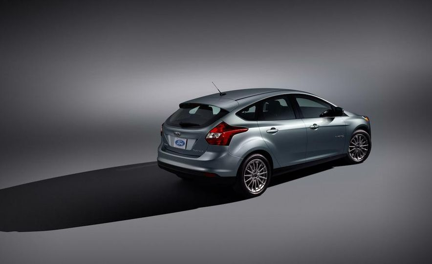 2012 Ford Focus Electric - Slide 24