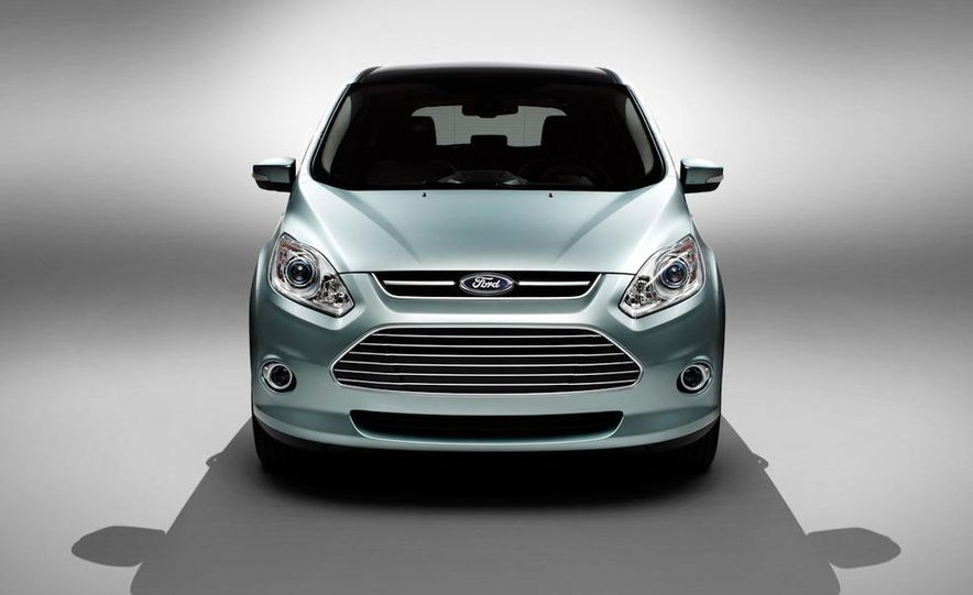 2013 Ford C-Max Energi - Slide 6