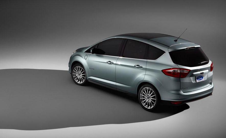 2013 Ford C-Max Energi - Slide 7