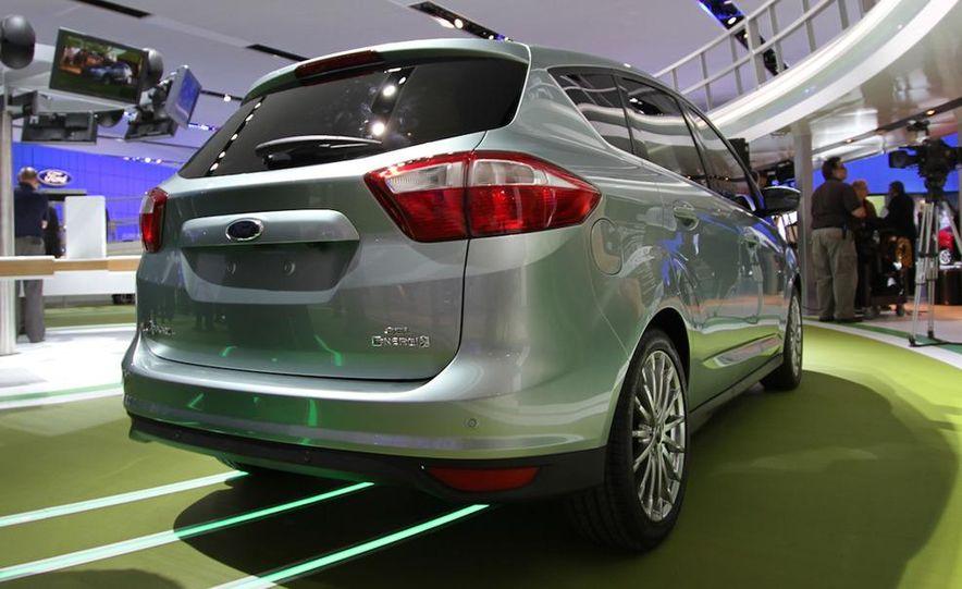 2013 Ford C-Max Energi - Slide 1