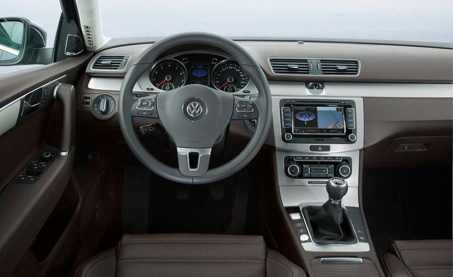 2012 Volkswagen Passat - Slide 61