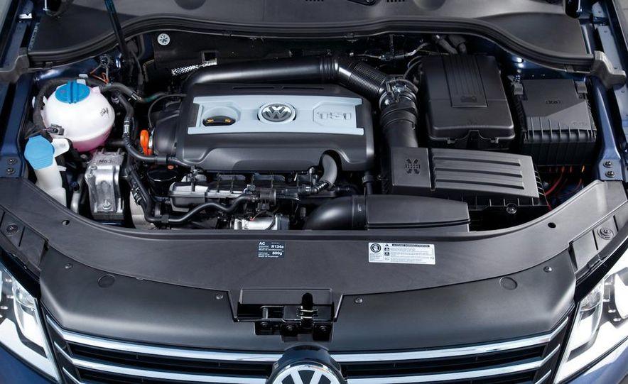 2012 Volkswagen Passat - Slide 62