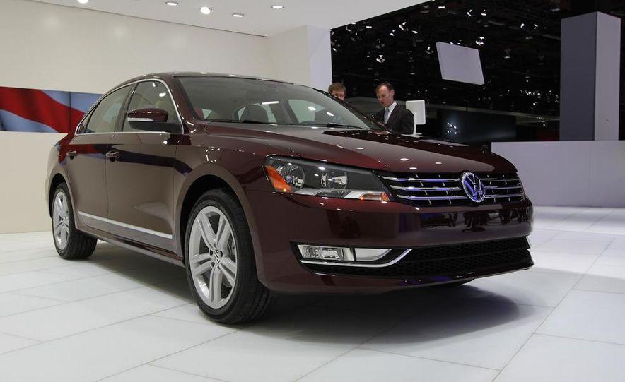 2012 Volkswagen Passat - Slide 2