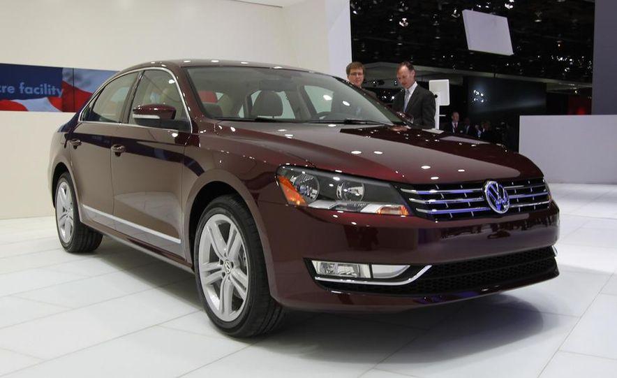 2012 Volkswagen Passat - Slide 3