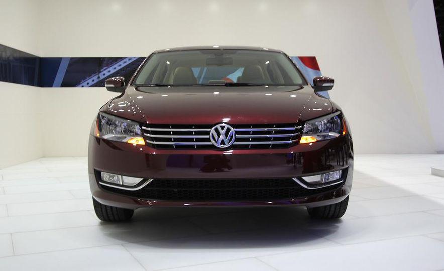 2012 Volkswagen Passat - Slide 4