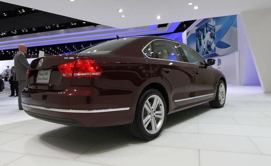 2012 Volkswagen Passat - Slide 7