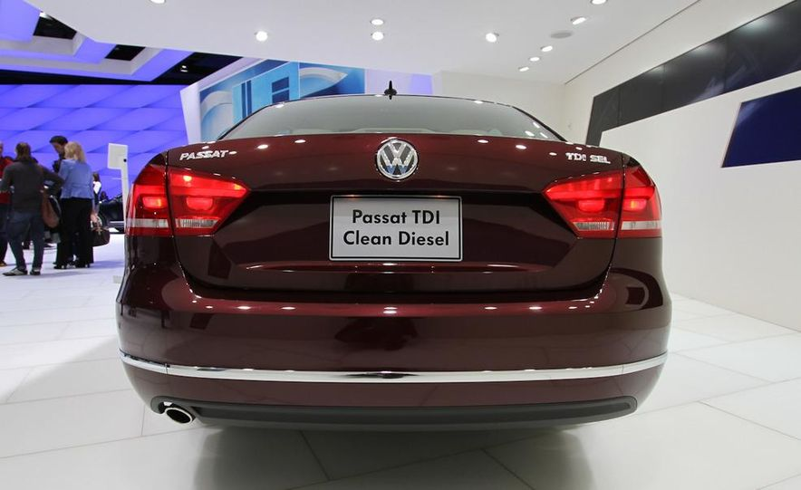 2012 Volkswagen Passat - Slide 8