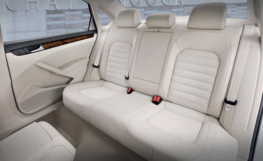 2012 Volkswagen Passat - Slide 22