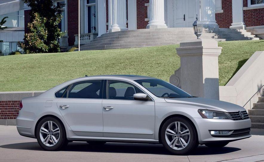 2012 Volkswagen Passat - Slide 15