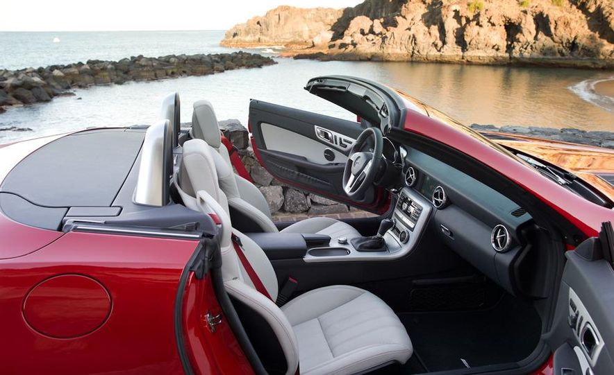 2012 Mercedes-Benz SLK350 - Slide 24
