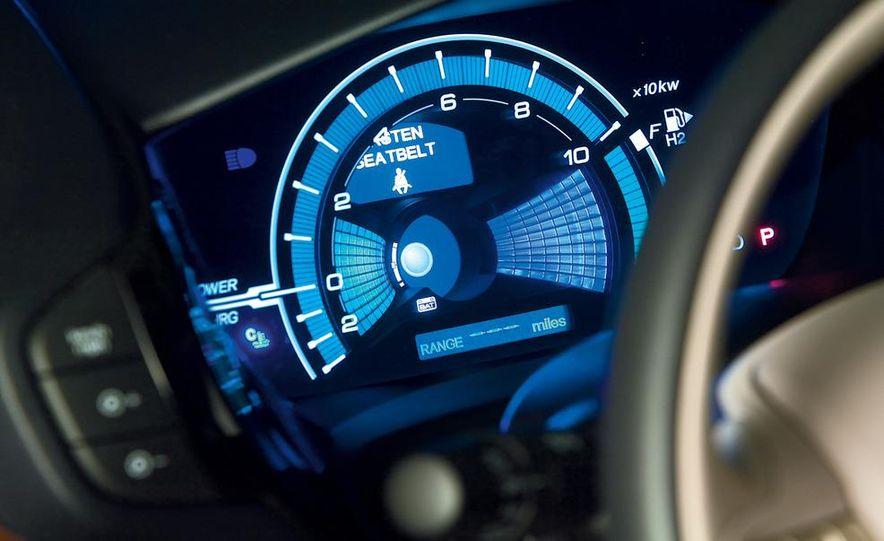 2009 Honda FCX Clarity - Slide 9