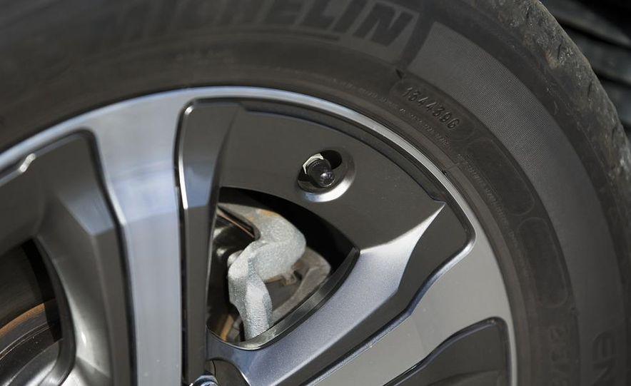 2009 Honda FCX Clarity - Slide 7