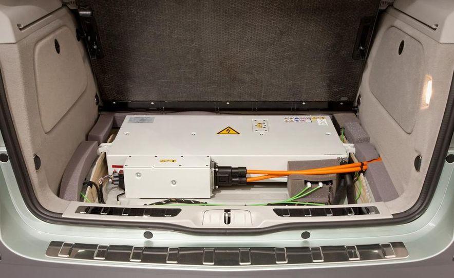 2009 Honda FCX Clarity - Slide 32