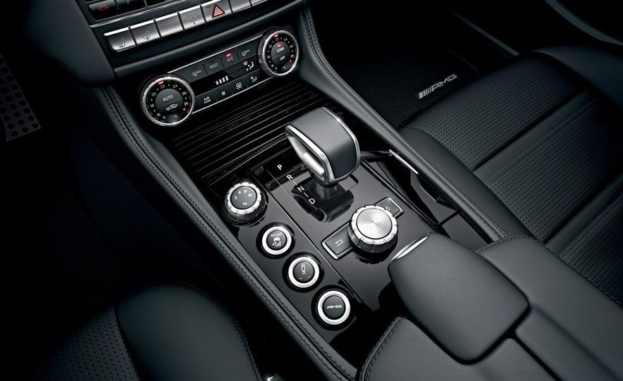 2012 Mercedes-Benz CLS63 AMG - Slide 35