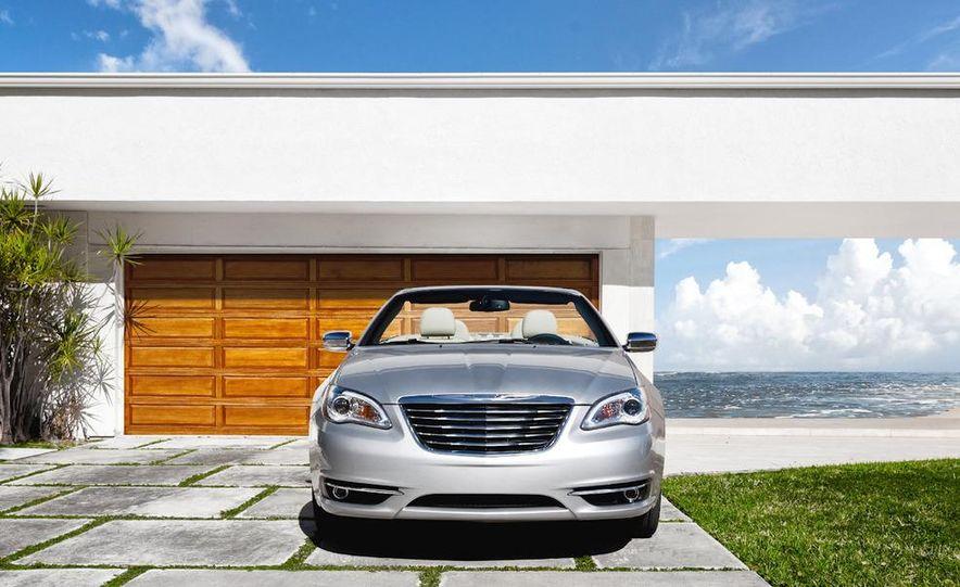 2011 Chrysler 200 convertible - Slide 1