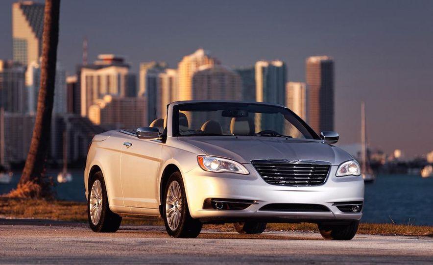 2011 Chrysler 200 convertible - Slide 3