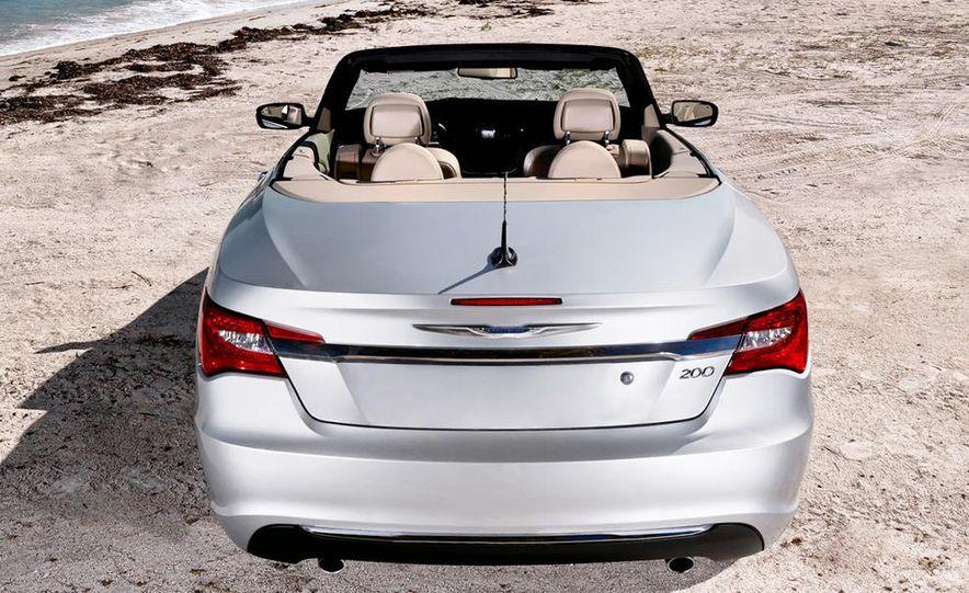 2011 Chrysler 200 convertible - Slide 4