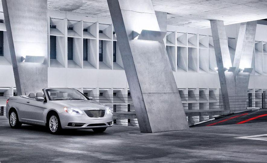 2011 Chrysler 200 convertible - Slide 14