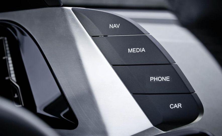 Audi Quattro concept and Audi Sport Quattro - Slide 12