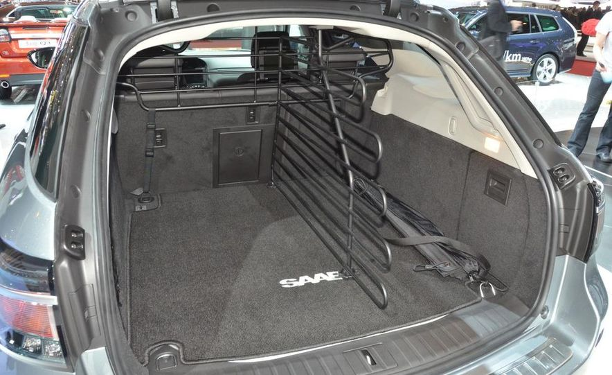 2012 Saab 9-5 SportCombi - Slide 6