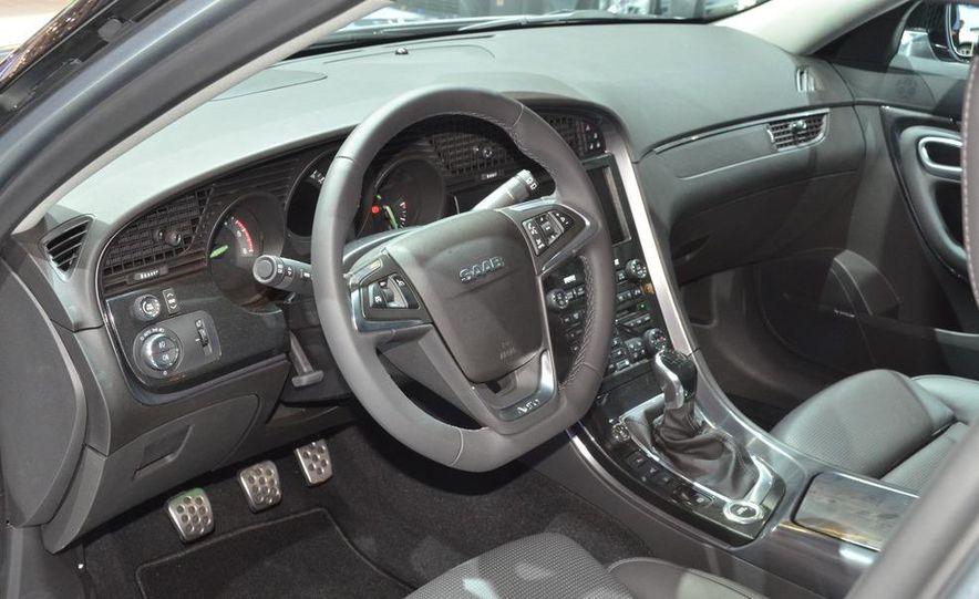 2012 Saab 9-5 SportCombi - Slide 7
