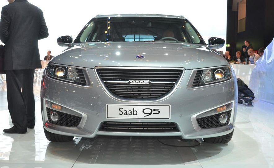 2012 Saab 9-5 SportCombi - Slide 2