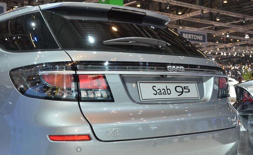 2012 Saab 9-5 SportCombi - Slide 5
