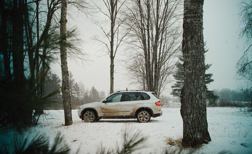2011 BMW X5 xDrive35i, 2011 Land Rover LR4 HSE, 2011 Audi Q7 3.0T S-line, 2011 Acura MDX, and 2010 Lexus GX460 - Slide 9