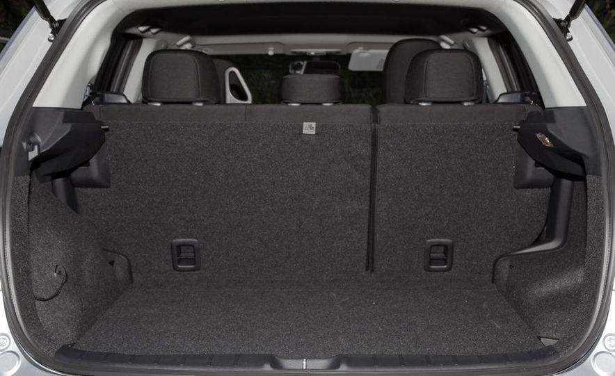 2011 Mitsubishi Outlander Sport ES - Slide 12