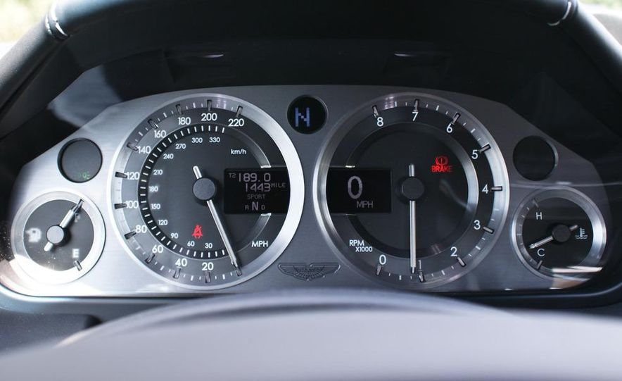 2011 Aston Martin V-8 Vantage S coupe - Slide 50