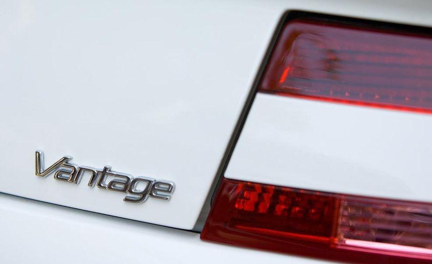 2011 Aston Martin V-8 Vantage S coupe - Slide 59