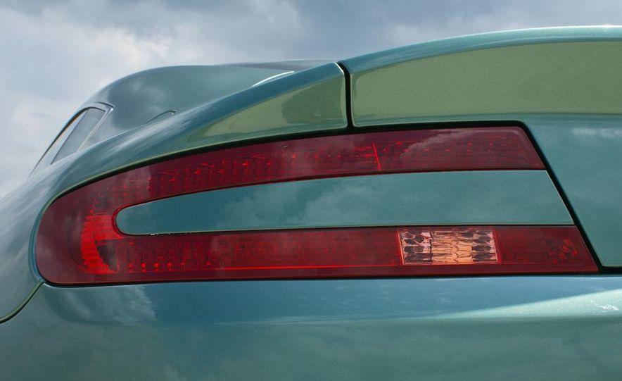 2011 Aston Martin V-8 Vantage S coupe - Slide 48