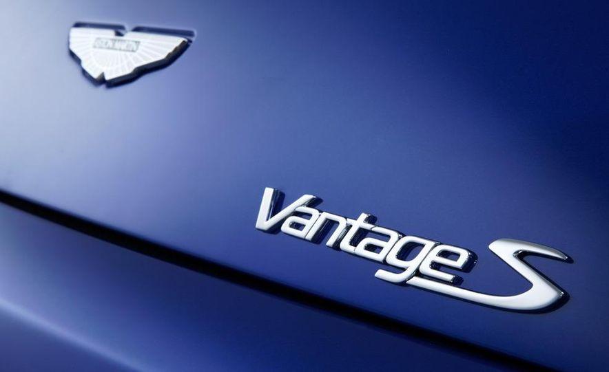 2011 Aston Martin V-8 Vantage S coupe - Slide 26