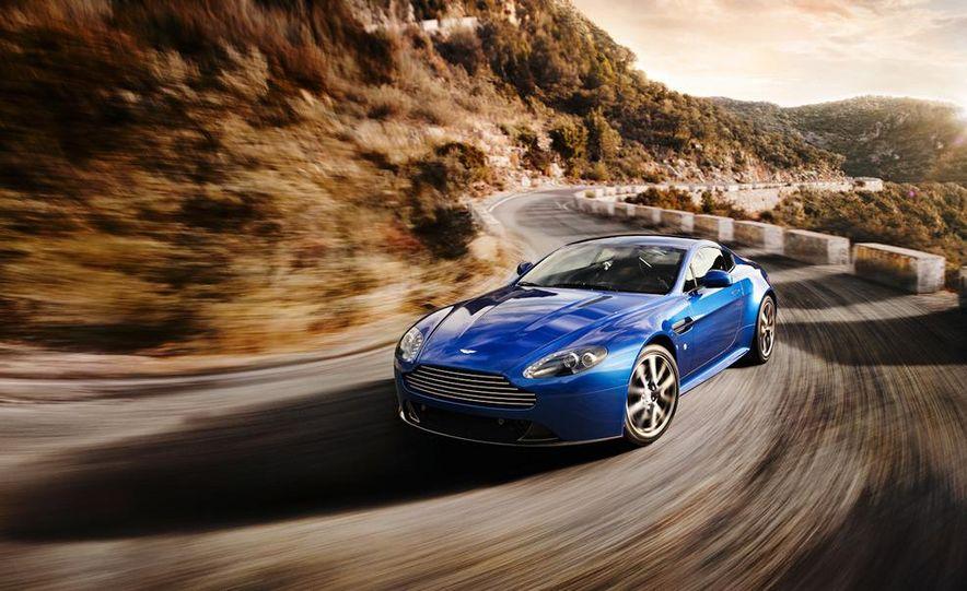 2011 Aston Martin V-8 Vantage S coupe - Slide 6
