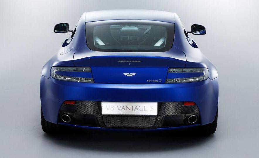 2011 Aston Martin V-8 Vantage S coupe - Slide 20