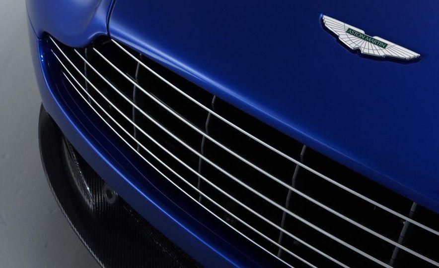 2011 Aston Martin V-8 Vantage S coupe - Slide 24