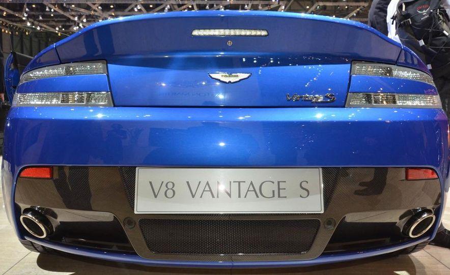 2011 Aston Martin V-8 Vantage S coupe - Slide 3