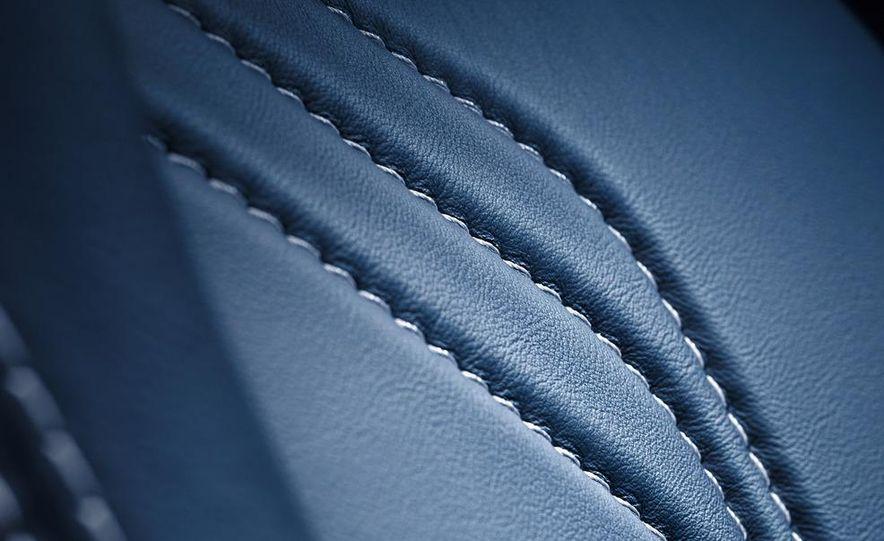 2011 Aston Martin V-8 Vantage S coupe - Slide 36