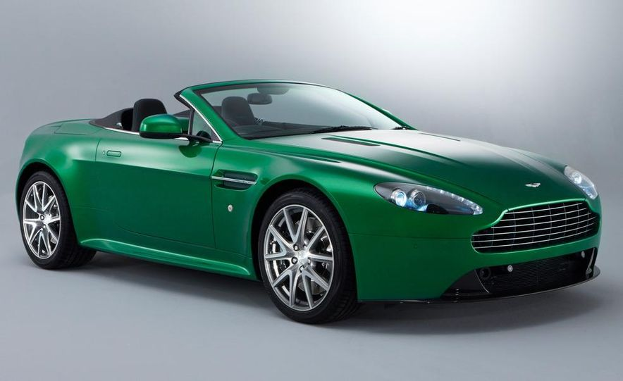 2011 Aston Martin V-8 Vantage S coupe - Slide 11