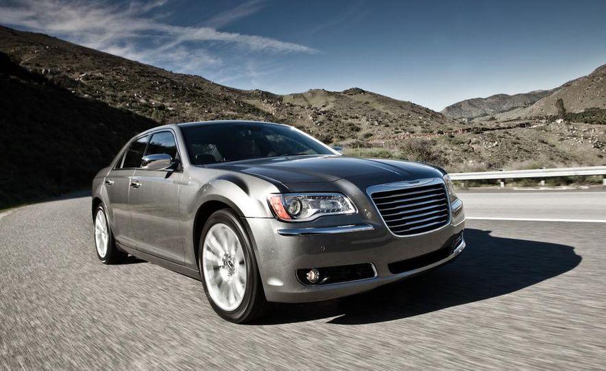 2011 Chrysler 300C - Slide 8