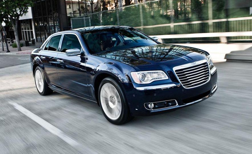 2011 Chrysler 300C - Slide 25