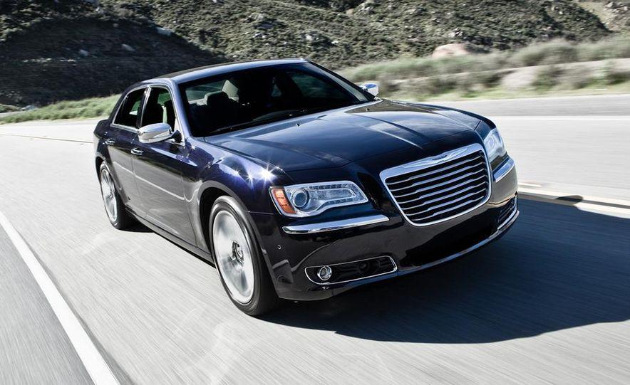 2011 Chrysler 300C - Slide 19