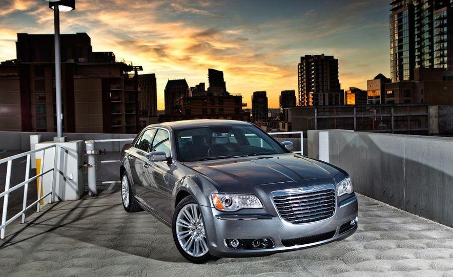 2011 Chrysler 300C - Slide 1