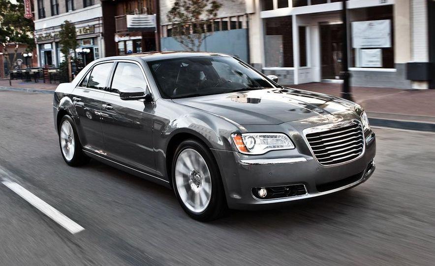 2011 Chrysler 300C - Slide 10