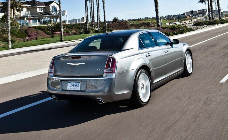 2011 Chrysler 300C - Slide 11